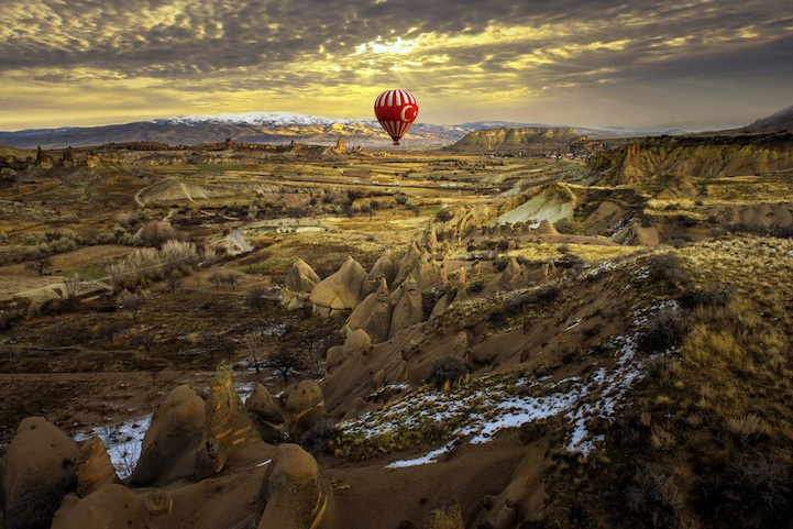 Fly in a Hot Air Balloon Over Cappadocia, Turkey (3)