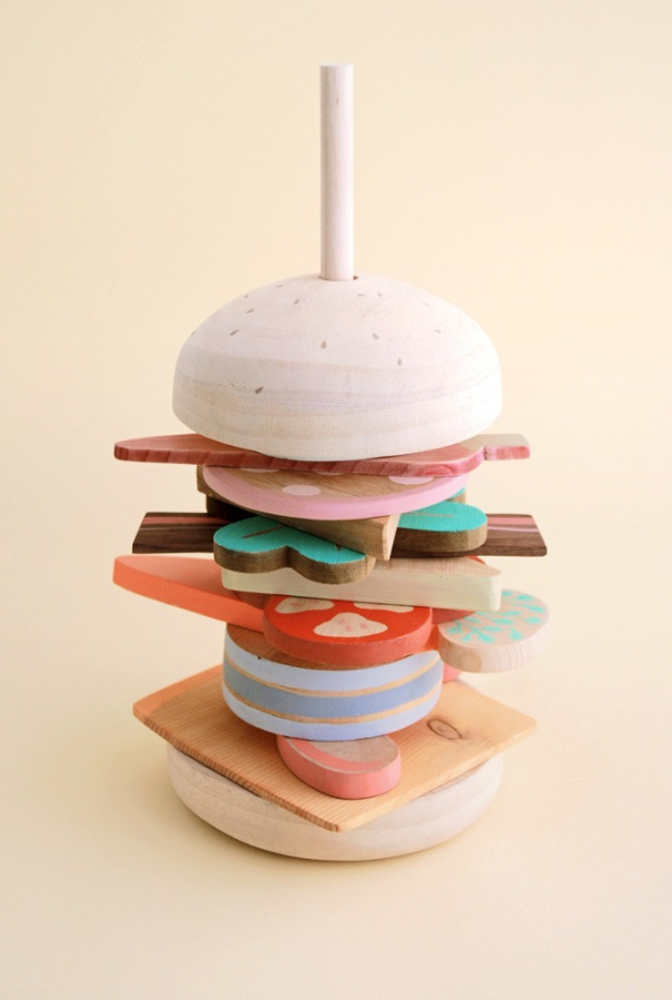 Slow Wood is a handmade prototype for unconventional sandwiches far from the mass catering. Slow Wood was in the kitchen of KidsRoomZoom during the 2011Fu (1)